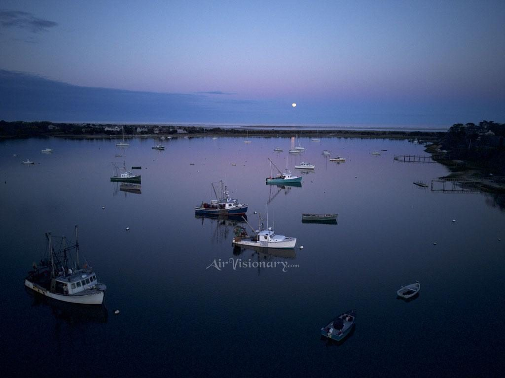 boats-anchored-in-bay