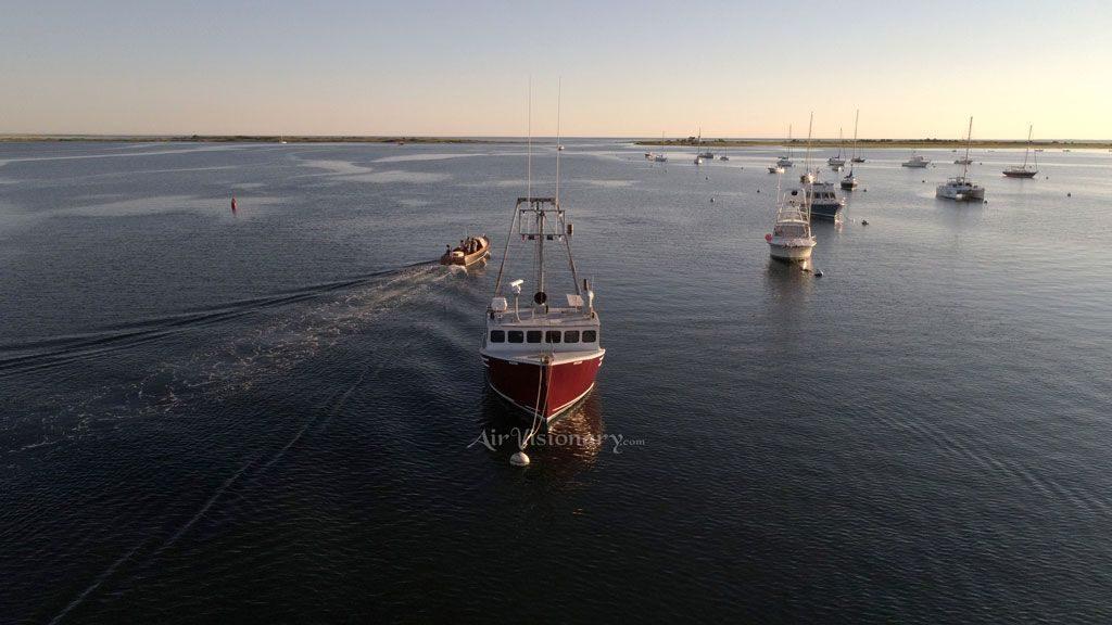 trolling-near-anchored-boats